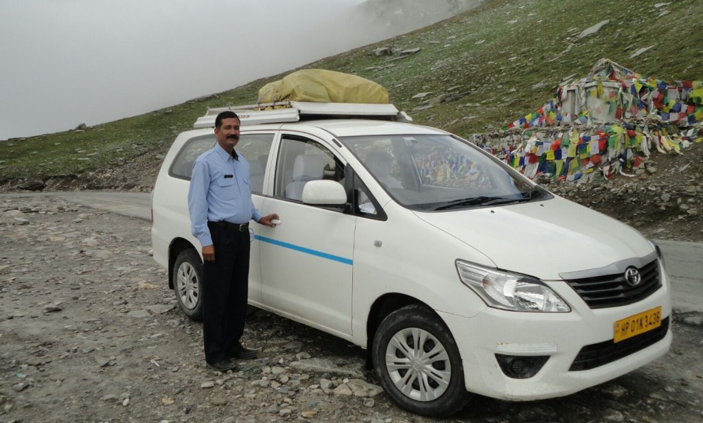 car-and-driver-in-india-Harish
