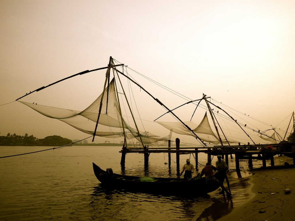 renting-a-car-to-visit-Chinese-fishing-nett-in-kochi