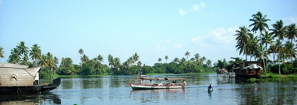 kerala-backwaters-stay